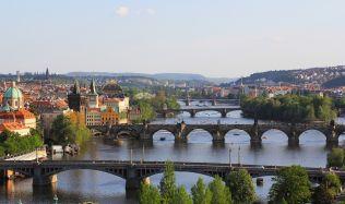 Asi 20 procent nových bytů v Praze koupí cizinci