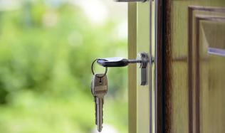 Byty se prodávají víc než dřív, pomalu roste i jejich cena