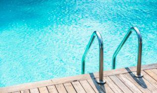 Chystáte se po zimě napustit váš bazén? Využijte vodu k tomu určenou