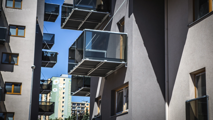 Co vše dnes umí okenní fólie a jak posouvají design celého domu?