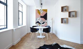 DESIGN SHAKER zamíchá interiérem od podlahy po strop