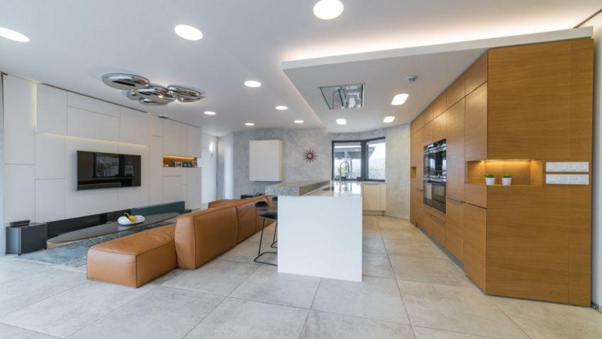 Fotogalerie: Interiér rodinného domu se solitérními prvky