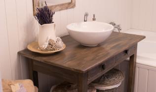 Fotogalerie: Rekonstrukce koupelny ve venkovském stylu