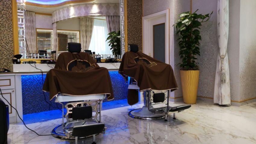 Fotogalerie: stylový interiér barbershopu.