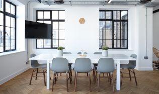 Přestavba kanceláří na byty. Recept na zmírnění realitní krize?