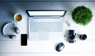 Jak si vybavit pracovnu, aby vám šla práce z domova od ruky
