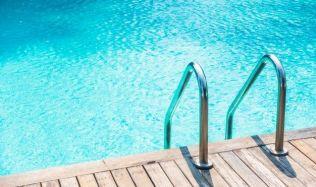 Jak v koupací sezóně udržet váš bazén křišťálově čistý? Máme pro vás několik rad