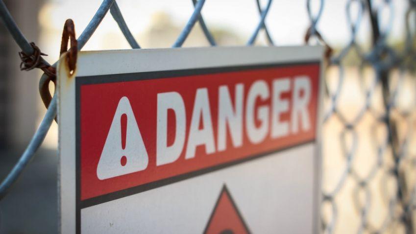 Když smrt číhá u vás doma: nebezpečný azbest a radon v budovách