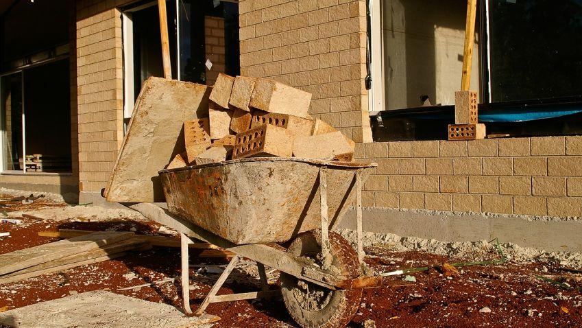 Krize spovolováním staveb pomáhá vestavbám