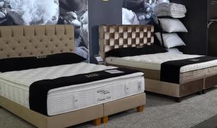 Luxusní postele s individuálním výběrem základny, čela postele i až 250 barev a materiálů