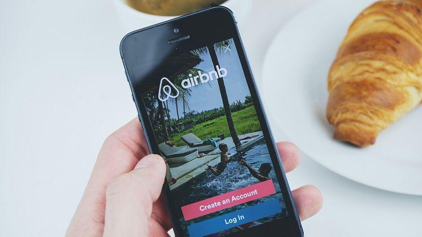 Praha se dohodla sAirbnb na platbách za hosty, majitelům se krátkodobé pronájmy nevyplatí.