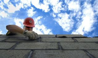 Povolování staveb potrvá maximálně rok, slibuje ministerstvo pro místní rozvoj