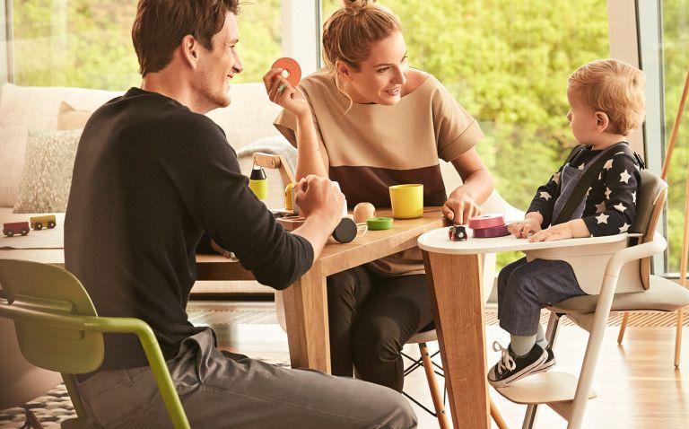Moderní a stylová dětská židlička nabízí praktické sezení pro jakýkoliv věk