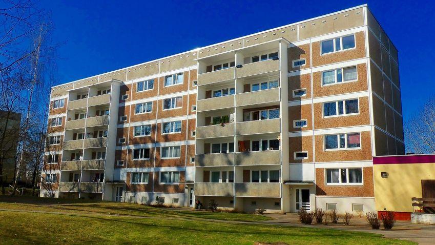 Na energetickou modernizaci bytových domů půjde 600 milionů Kč
