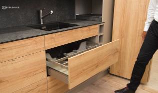 Novým trendem v interiérech je nábytek bez úchytek. Lze ho použít pro celou domácnost?