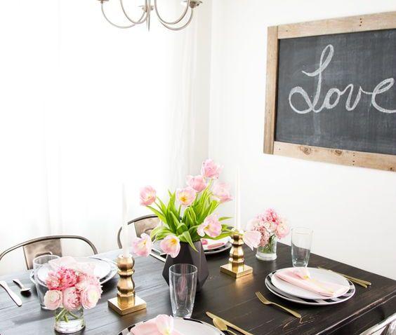 Oslavte svatého Valentýna, poradíme vám, jak doma vytvořit příjemnou atmosféru luxusní restaurace