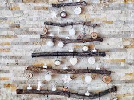 Netradiční vánoční stromeček, který zavěsíte na zeď