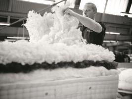 Ruční výroba postele Vispring