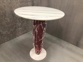 Keramická stolová deska se skleněnou podnoží