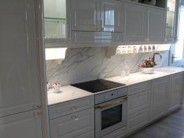 Bílá kuchyňská deska z dlažby - ProCeram - Praha