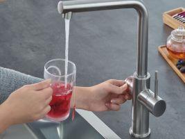 Vařící voda ,,GROHE Red