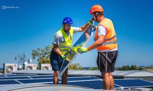 Podnikáte ve výrobě a ještě jste nepřemýšleli o fotovoltaice na své sídlo? Chyba! Povíme vám proč…