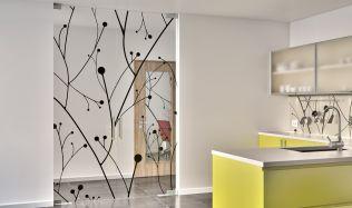 Jsou celoskleněné stěny a dveře tou správnou volbou?