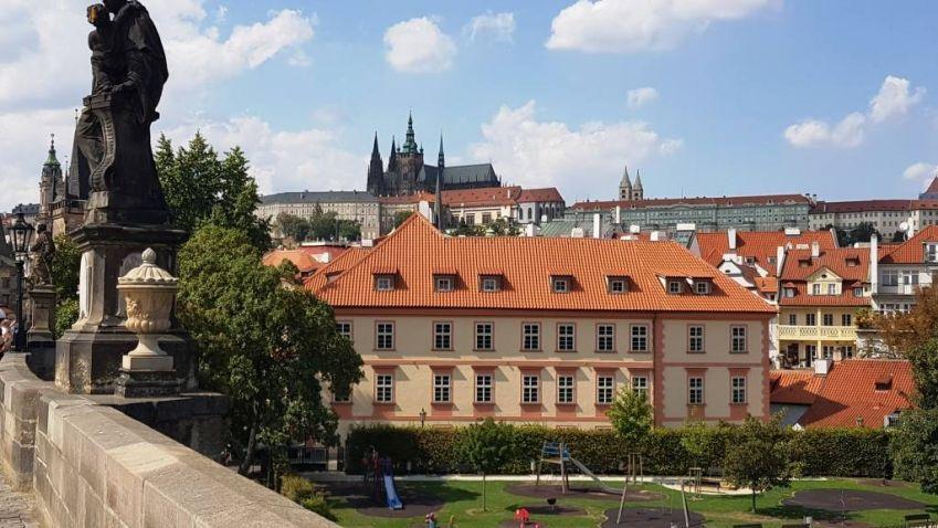 Pinkasův palác na pražské Kampě byl vydražen za 480 milionů korun
