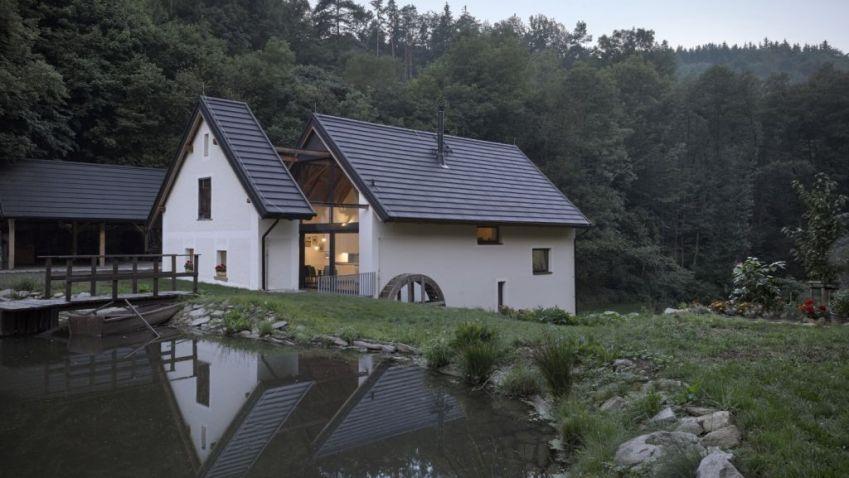 Podívejte se na náš výběr netradičně pojatých venkovských sídel z Česka