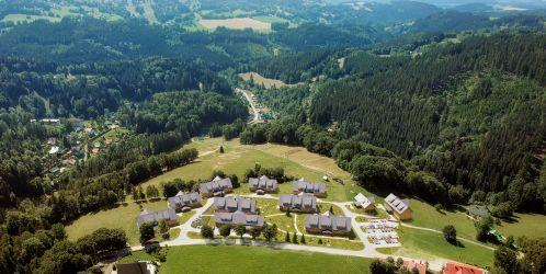 Stavba není sen 4 - Aldrov Krkonoše - Podívejte se na novou sérii Stavba není sen 4, která mapuje proměnu malebné horské vesničky v Krkonoších