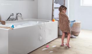 Podlahy Alpha vinyl přichází s novinkou - vodotěsnými zámky Watertight click