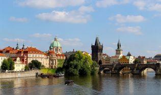 Praha bojuje proti krátkodobým pronájmům dotacemi