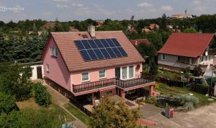 Příklad realizace fotovoltaické elektrárny – co obsahuje, kolik stojí a kolik uspoří?