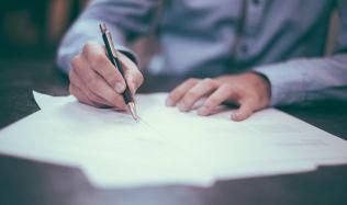 Realitní firmy uvítají posunutí zkoušky pro makléře