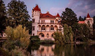 Romantický zámek Žinkovy je na prodej