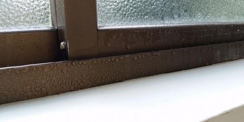 Rosí se vám okna? Na vině může být i nedostatečné větrání