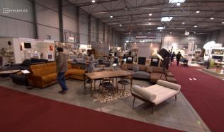 Ručně výráběný designový nábytek s novým showroomem v Praze