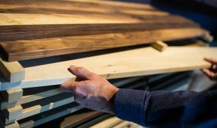Slovenský výrobce masivního dřevěného nábytku otevřel v ČR první showroom