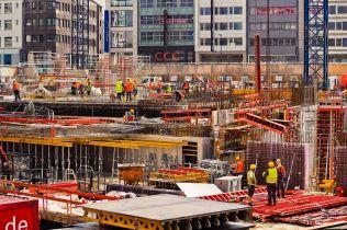 Stavební produkce si v únoru udržela meziroční růst