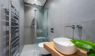 Tip, jak si zařídit malou koupelnu v paneláku!