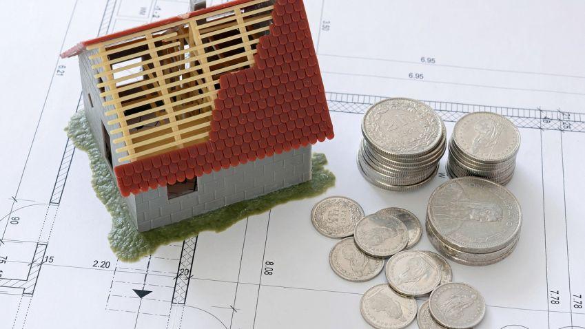 Úrokové sazby letos nezadržitelně rostou, ČNB si hraje srealitním trhem