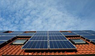 V Česku roste zájem o střešní solární instalace