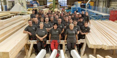 Ve Vejprnicích u Plzně se rozběhla další výroba montovaných domků, firma hledá posily