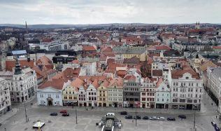 Velké byty, o které nebyl zájmem, Plzeň přestavěla na menší