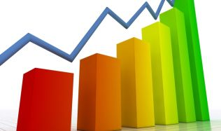 Vlastní bydlení se stává hůře dostupným kvůli růstu cen bytů i zdražování hypoték