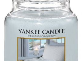 yankee-candle-vonna-svicka-a-calm-quiet-place-classic-stredni-A