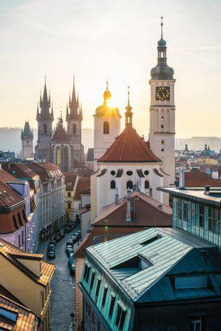 Z Pražských stavebních předpisů zmizí požadavek na oslunění bytu. Stačit bude denní světlo