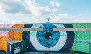 Zajímavosti: Praha má jednu z největších exteriérových maleb na světě