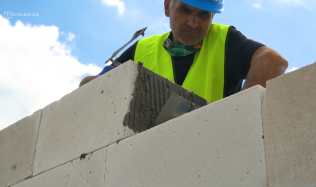 Založení stavby - jaké produkty budete potřebovat a jaké služby se vám budou hodit?