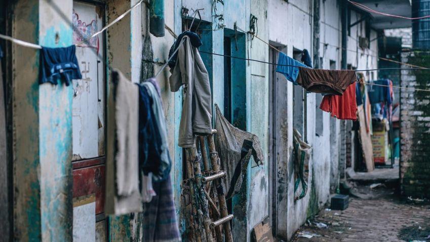 Zpřísněné podmínky ČNB: zabrání zadlužování českých domácností, nebo nafouknou realitní bublinu?